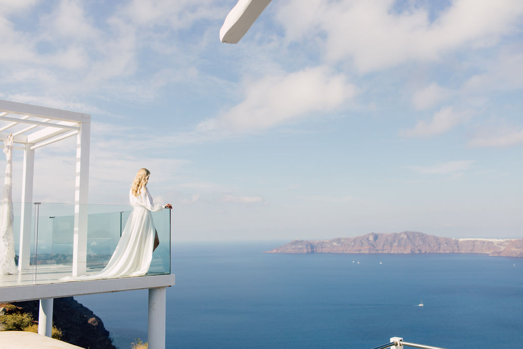 Summer wedding in Santorini