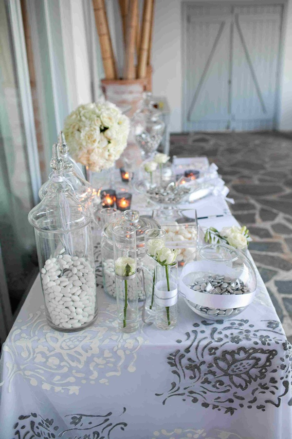White And Silver Wedding Decoration00006 Red Box Days