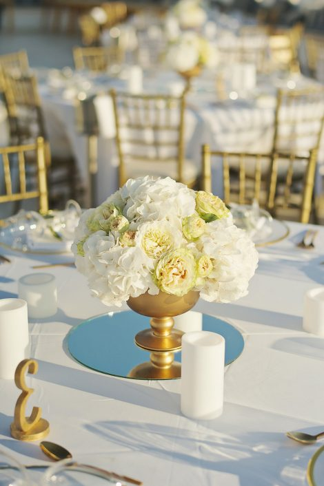 Gold elements wedding decoration