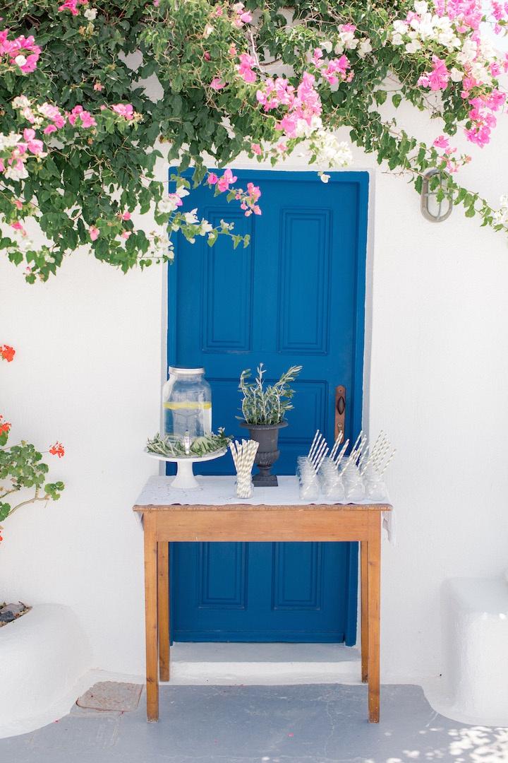 Flowershop in Santorini
