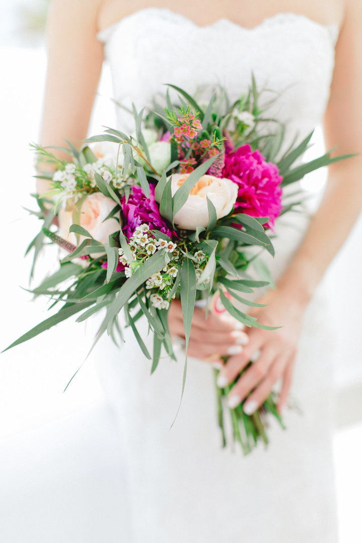 Bridal boho bouquet in Mykonos by Redboxdays.gr