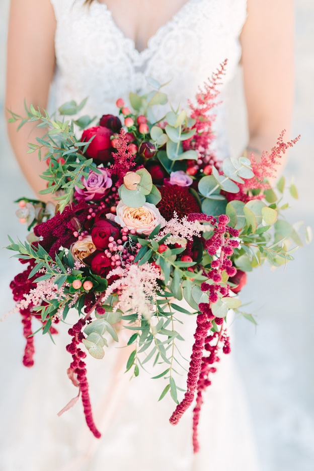 Burgundy bridal bouquet Redboxdays.gr