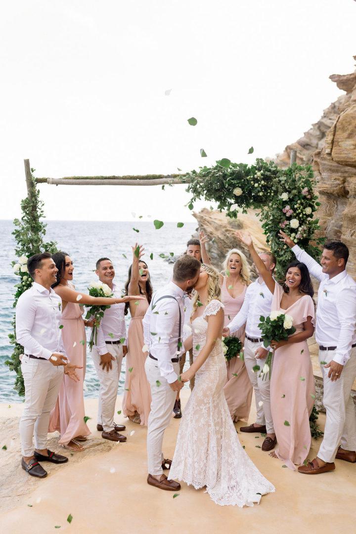 Wedding floral decoration at Ios Club by redboxdays.gr