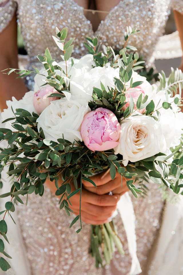 Wedding floral decoration in Athens by redboxdays.gr