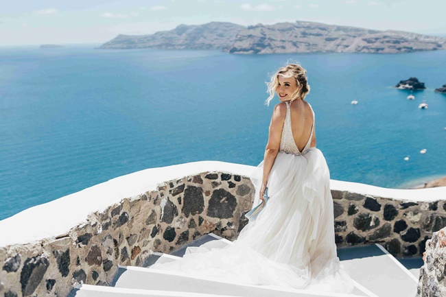 Summer wedding in Santorini
