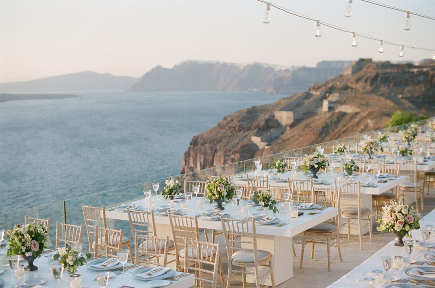 Elegant wedding flower decoration in Greece