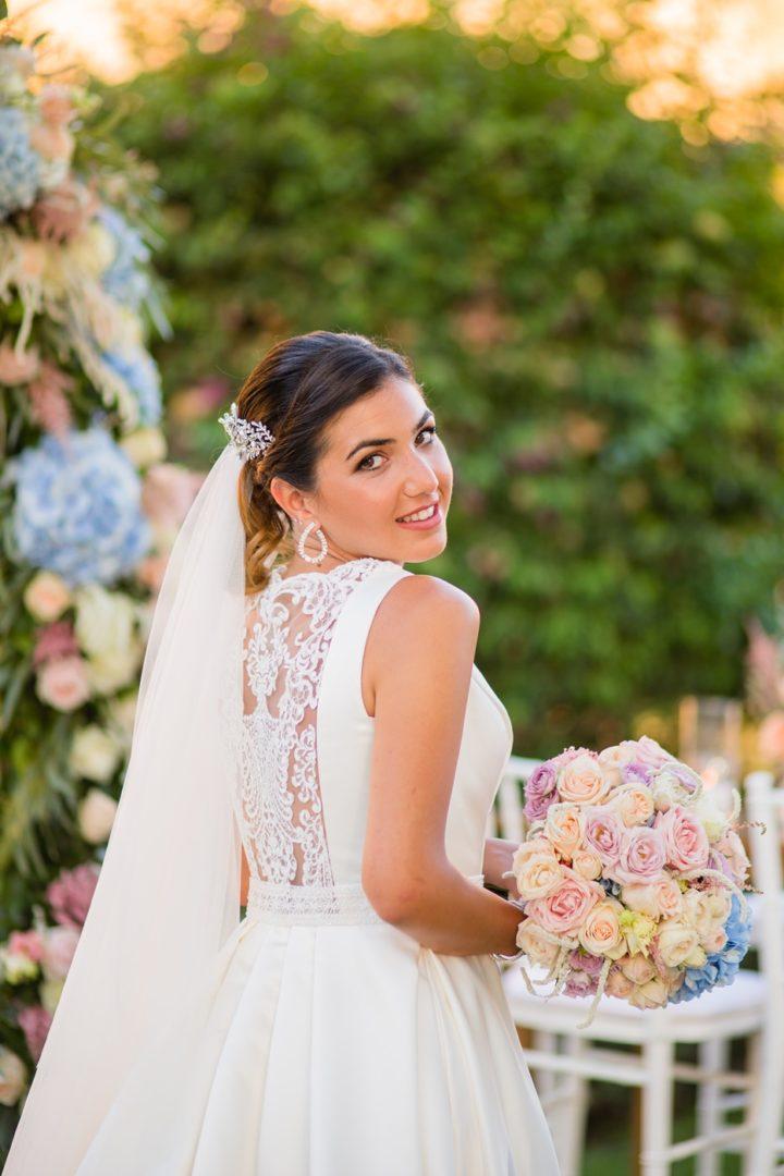 Wedding flower decoration by redboxdays.gr