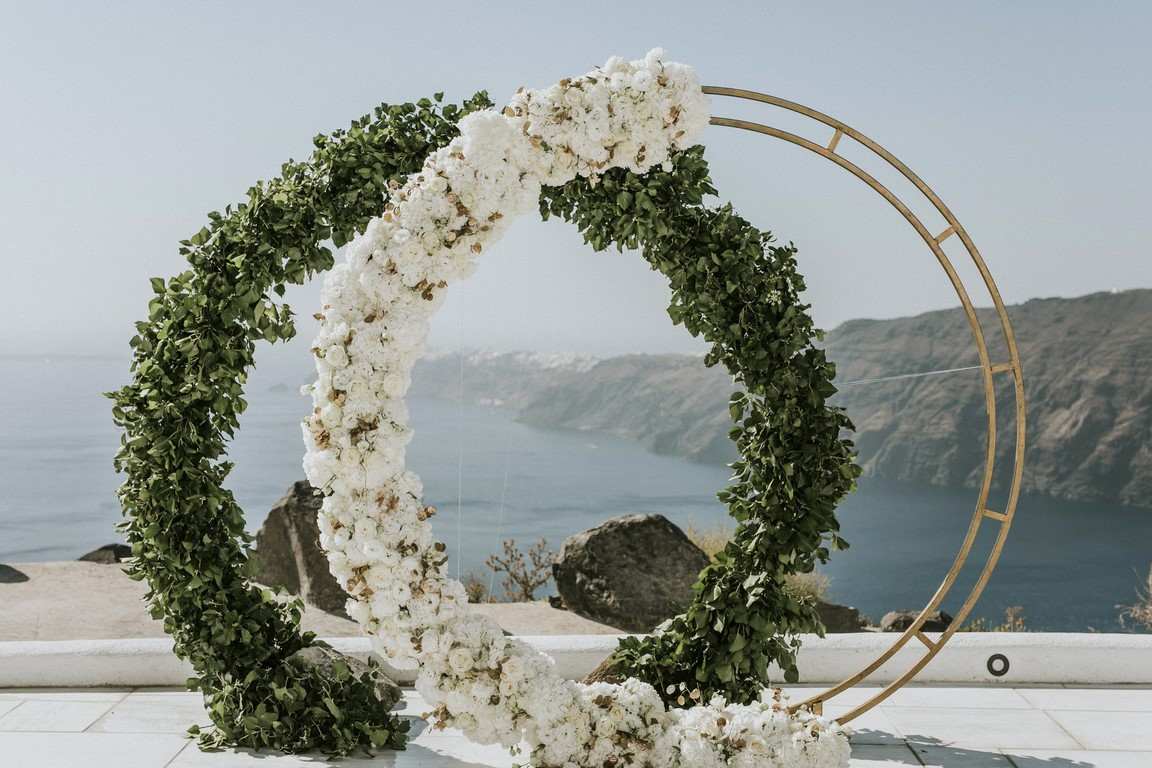 Redboxdays.gr wedding flowers in Santorini
